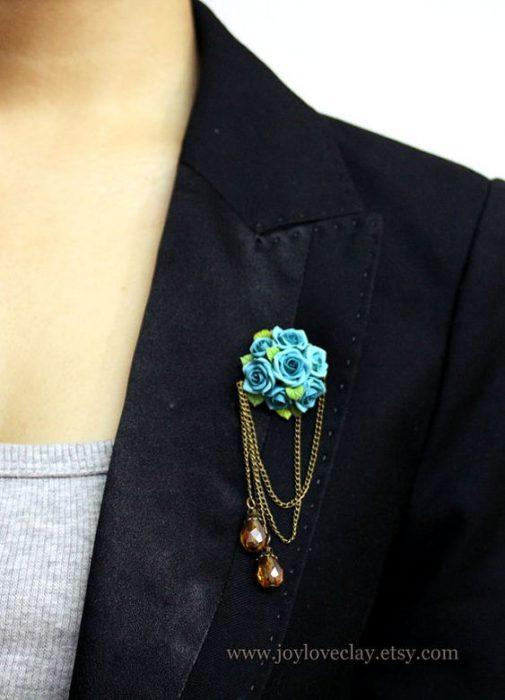 prendedores florales para blazer