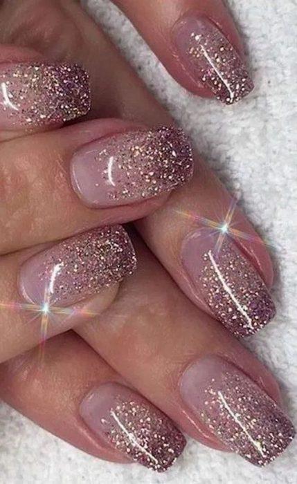 uñas con brillos