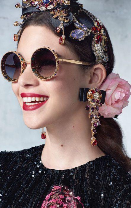 accesorios de moda con coloridas gemas invierno 2021
