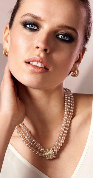 colllar y aros con perlas