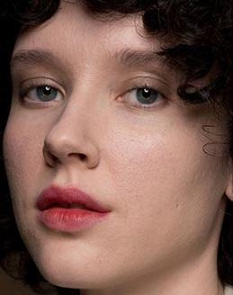 maquillajes invierno 2021 labios mordidos moda