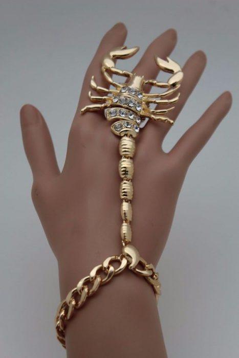 pulsera anillo de escopion