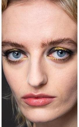 sombra dorada maquillajes invierno 2021