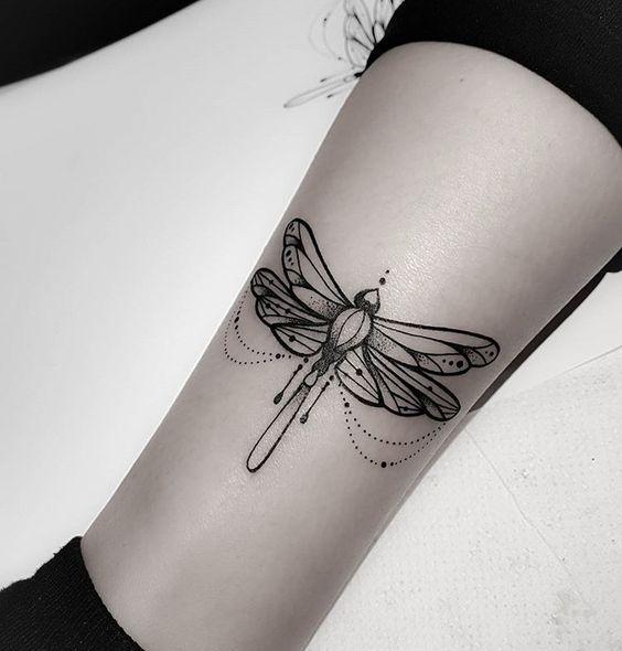 dibujo libelula para tatuajes