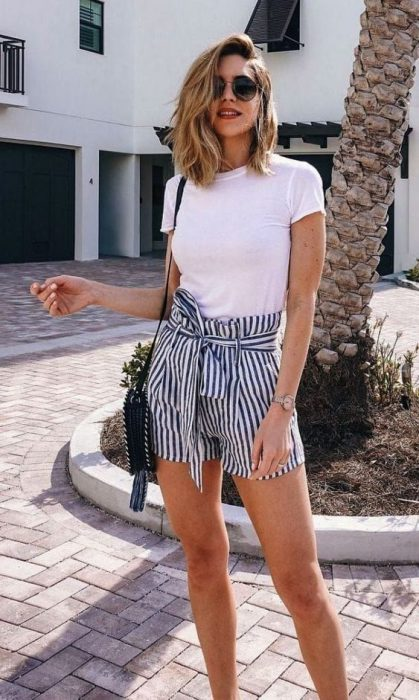 outfit con short a rayas