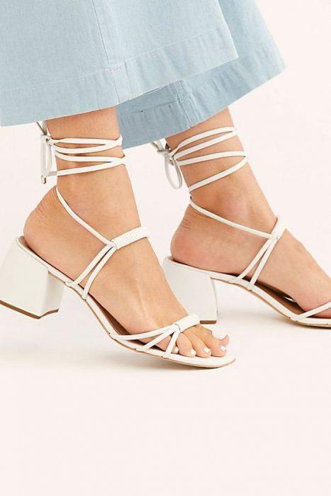 sandalias con cordon de moda