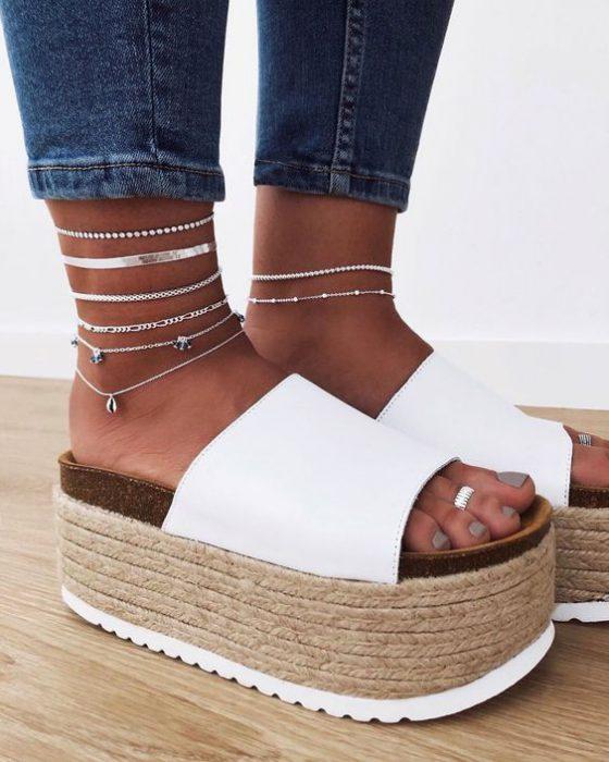 sandalias planas con plataforma moda verano 2021