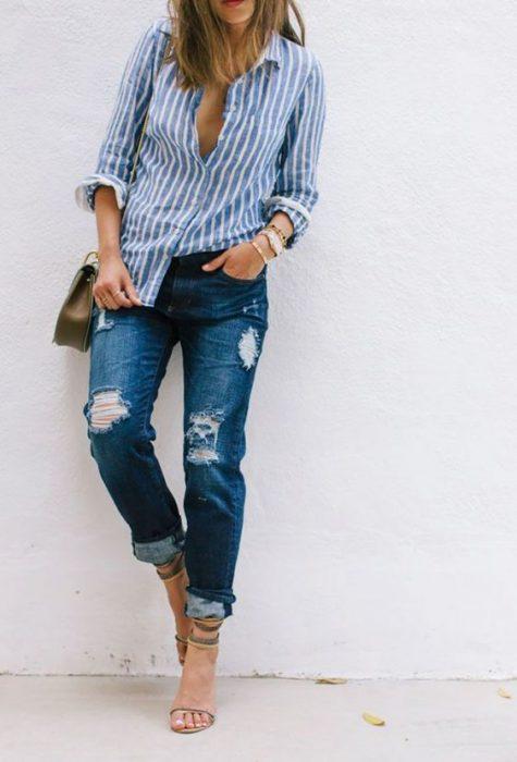 jeans mom con toturas