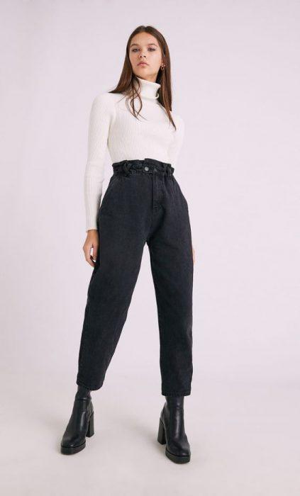 jeans mom negro y polera