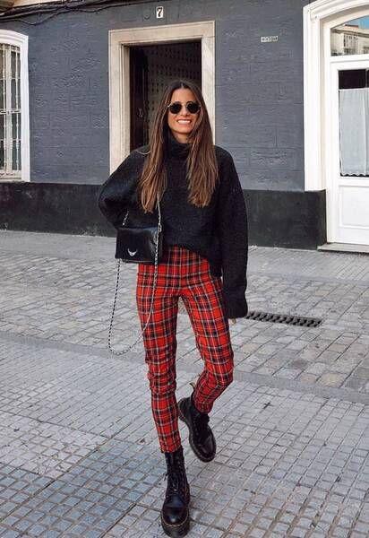 look casual con pantalon a cuadros rojos