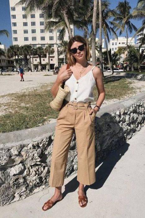 pantalon beige verano mujer
