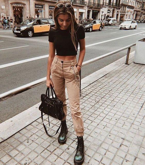 pantalon cargo tiro alto beige