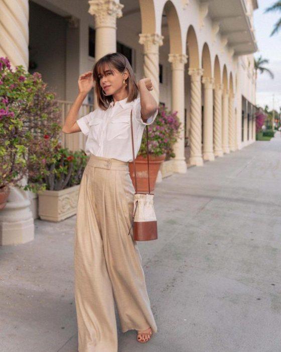 pantalon plisado tiro alto beige