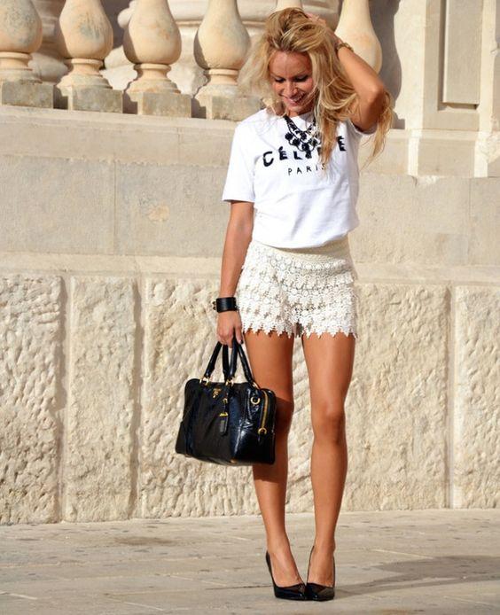 short de encaje blanco con remera basica