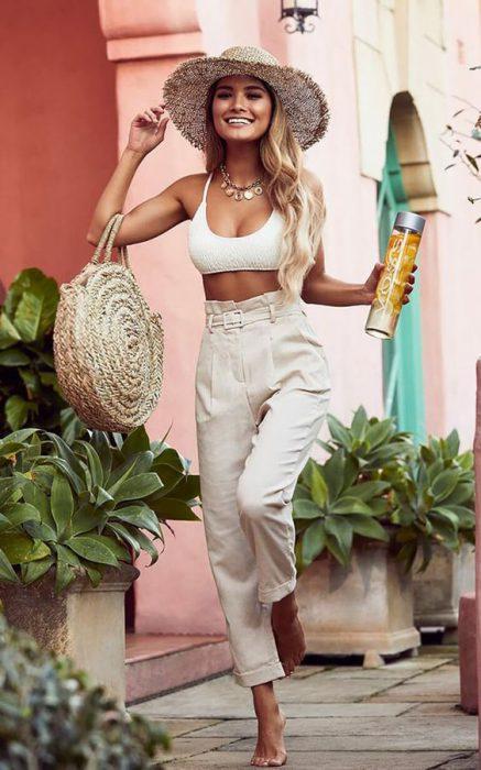 ir a la playa con pantalon del lino