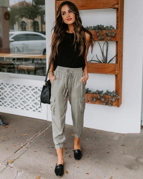outfit informal con pantalon de lino