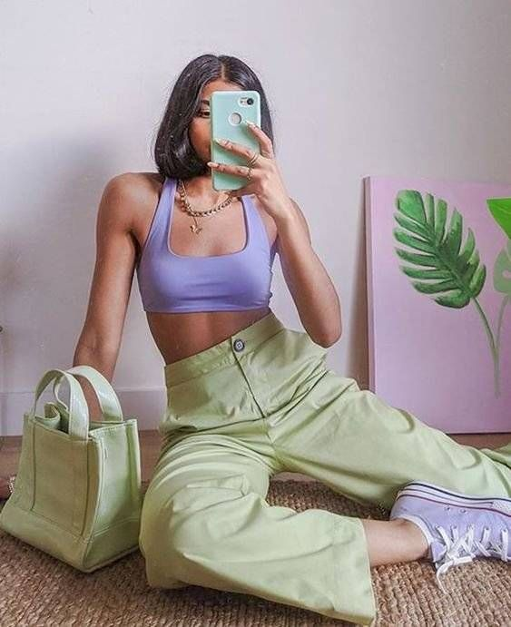 outfit lila y verde pastel