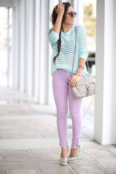 outfitl celeste y lila pastel