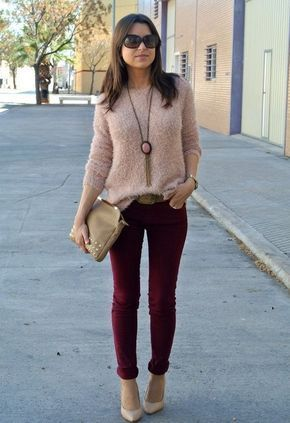 panalon bordo y sweater beige