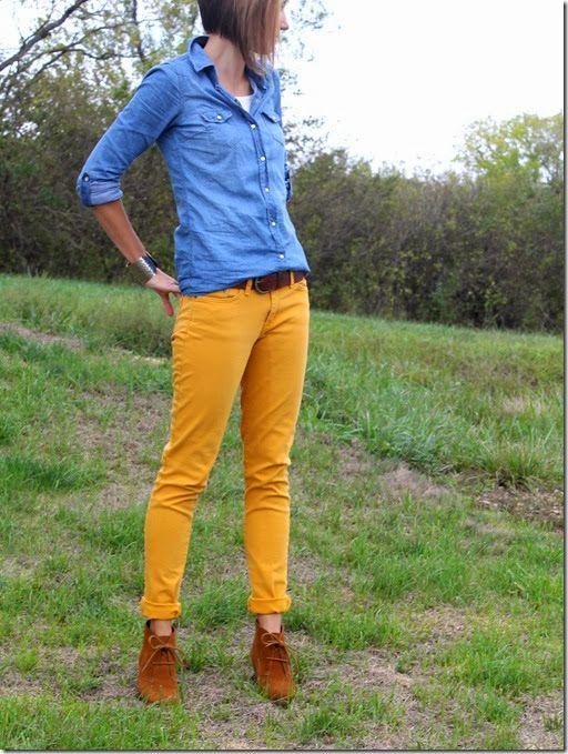 pantalon amarillo mostaza CON CAMISA DE JEANS