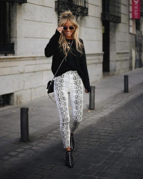 pantalon animal print serpiente jeans