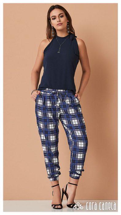 pantalon pijama a cuadro look casual