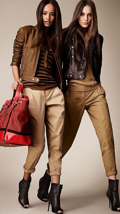 pantalon cargo y campera de cuero