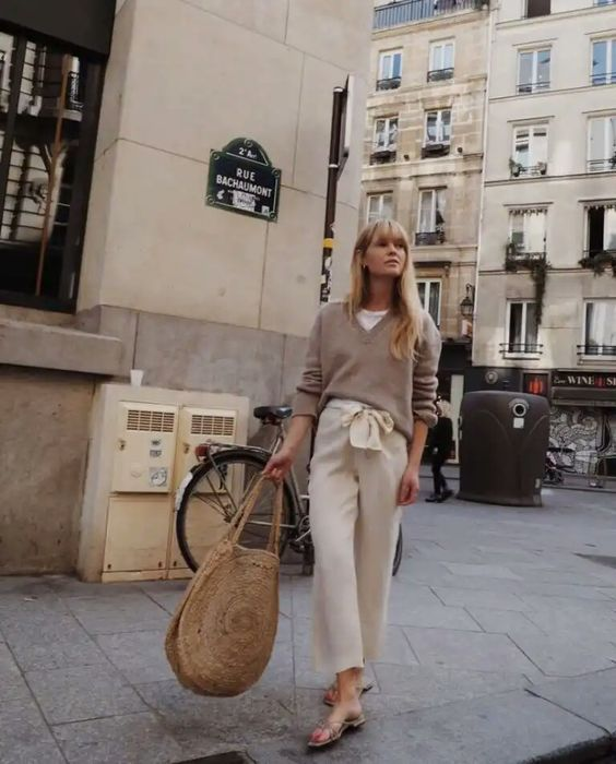pantalon crema y seater beige