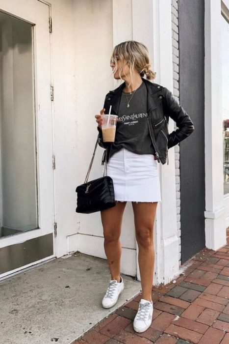 remeron con minifalda blanca