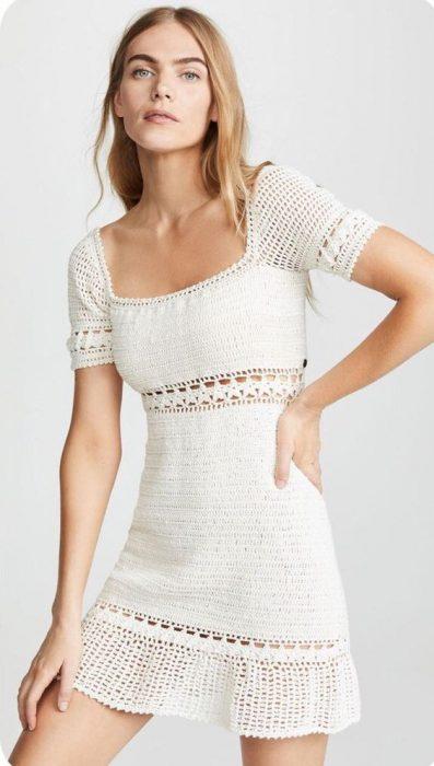 vestico crochet blanco mangas cortas