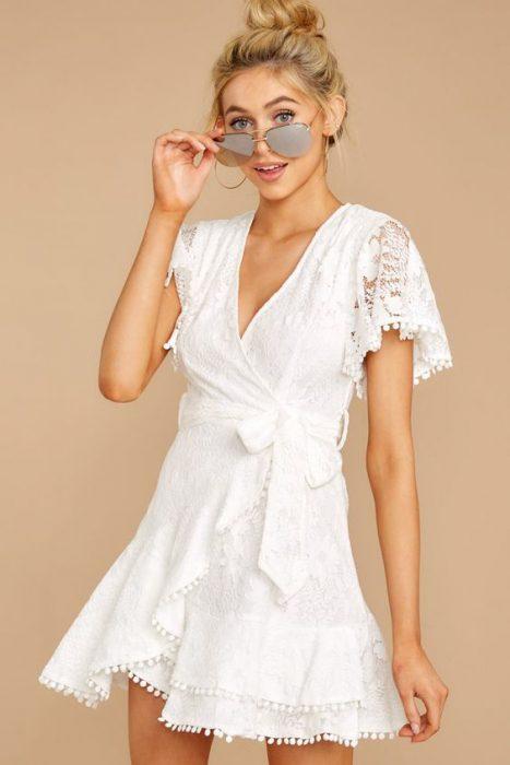 vestido blanco casual cruzado