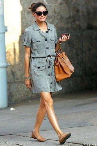 vestido camisero con zapatos planos informal