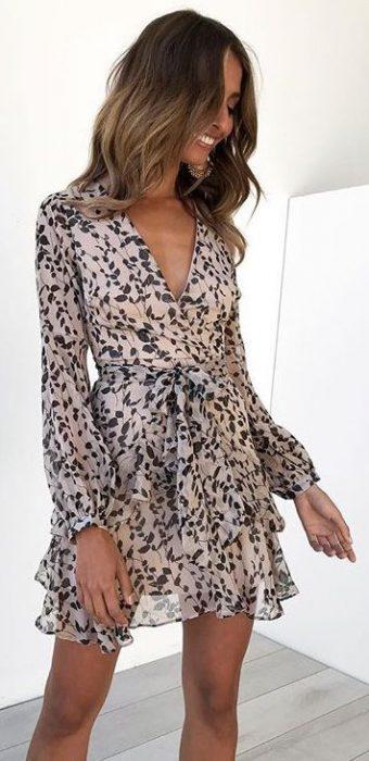 vestido corto cruzado mangas largas