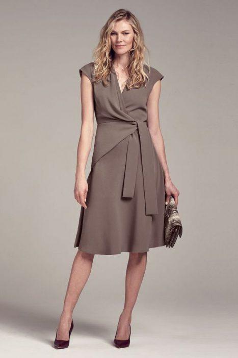 vestido cruzado formal