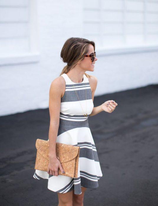vestido de lino para ir a una cena