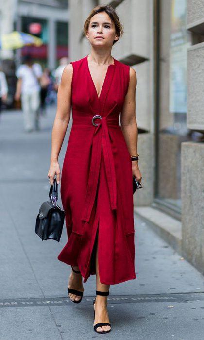 vestido de lino rojo para la oficina