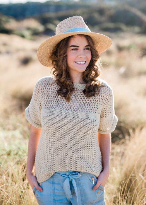 Blusa con mangas tejida a crochet