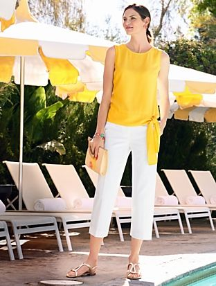 blusa amarilla con pantacourt blanco
