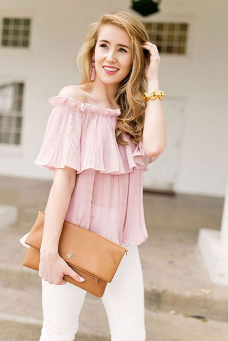 blusa formal con hombros descubiertos
