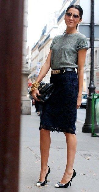 blusa gris con falda encaje azul