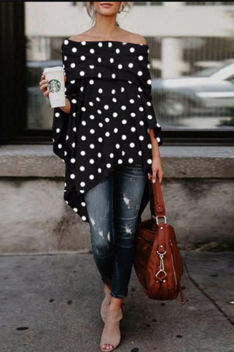 blusa holgada con jeans