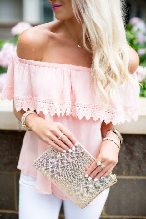 blusa hombros descubiertos rosa suelta