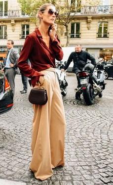 blusa ladrillo y pantalo beige