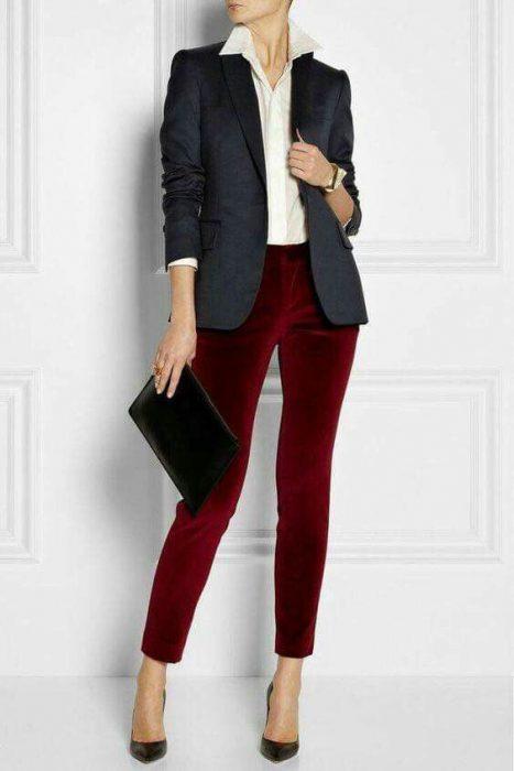 Pantalon de terciopelo con blazer para oficina