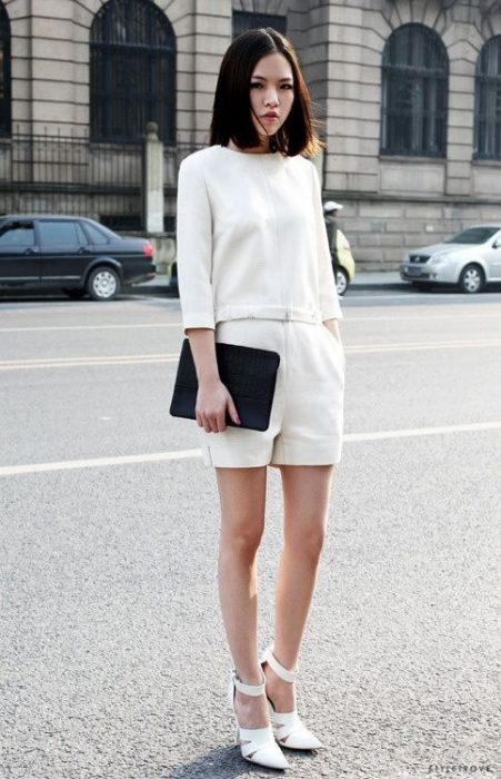 look monocromatico formal con short