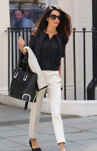 outfit para ir a trabajar con pantalon chino crudo