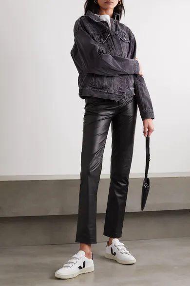 outfits casual con pantalon de cuero recto