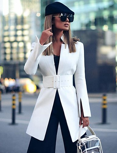 tapado blanco para un look formal