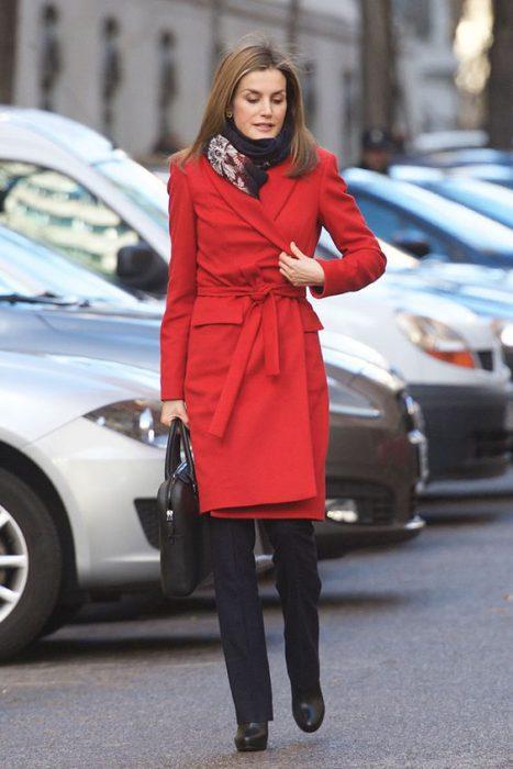 tapado rojo formal mujer