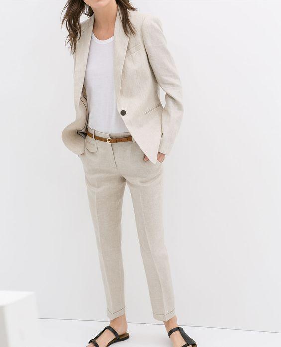 traje para mujer con pantalon chino